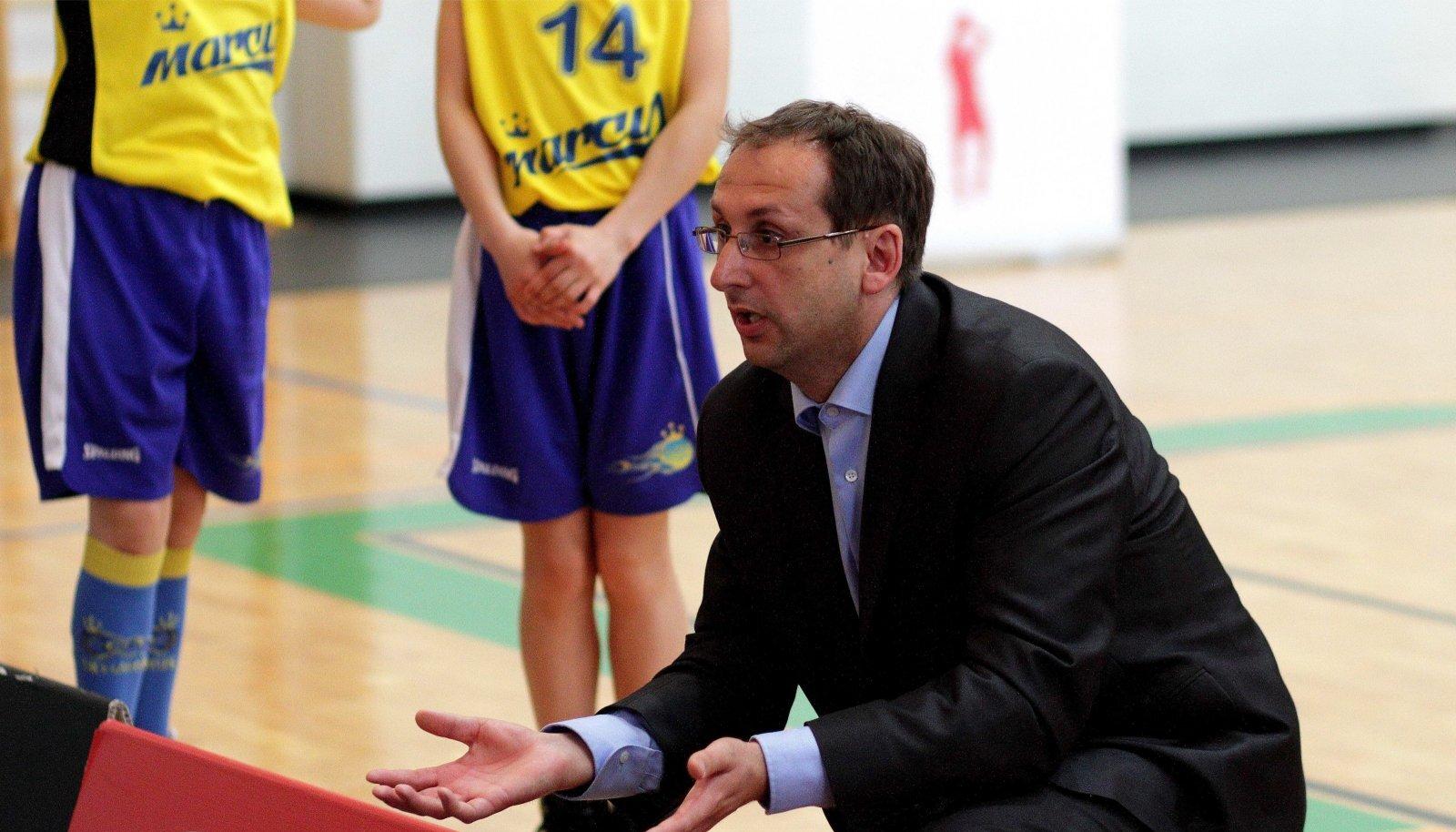 Marek Koitla on valdava enamuse oma treenerikarjäärist tegutsenud tüdrukutega.