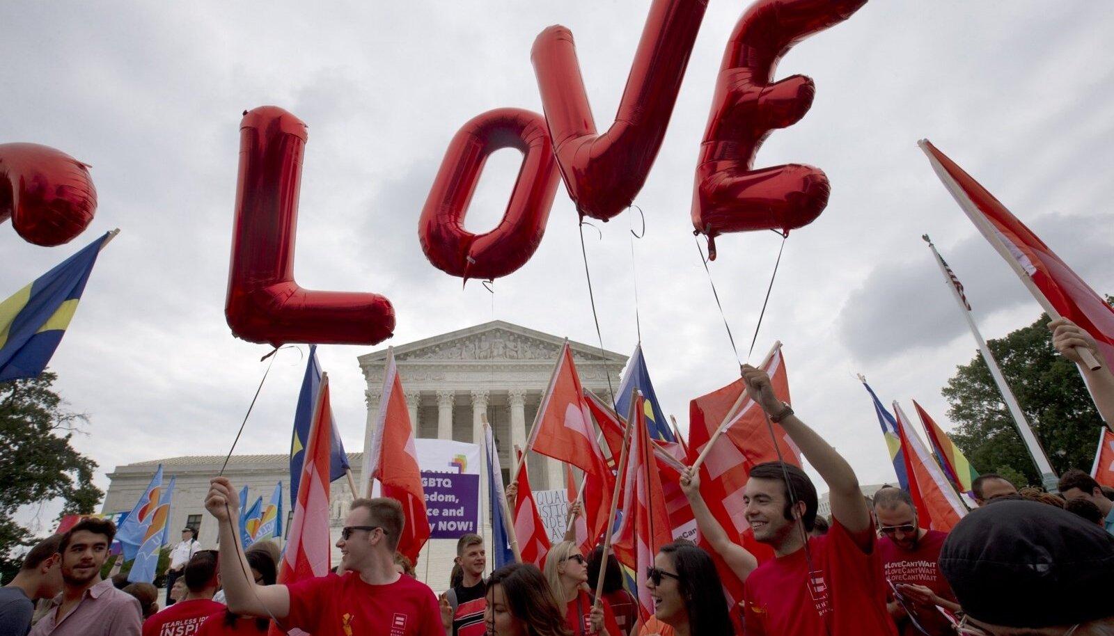Washington DC, samasooliste abielu pooldajad rõhuvad armastusele.