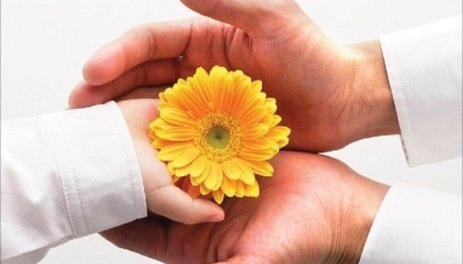 käed, lill