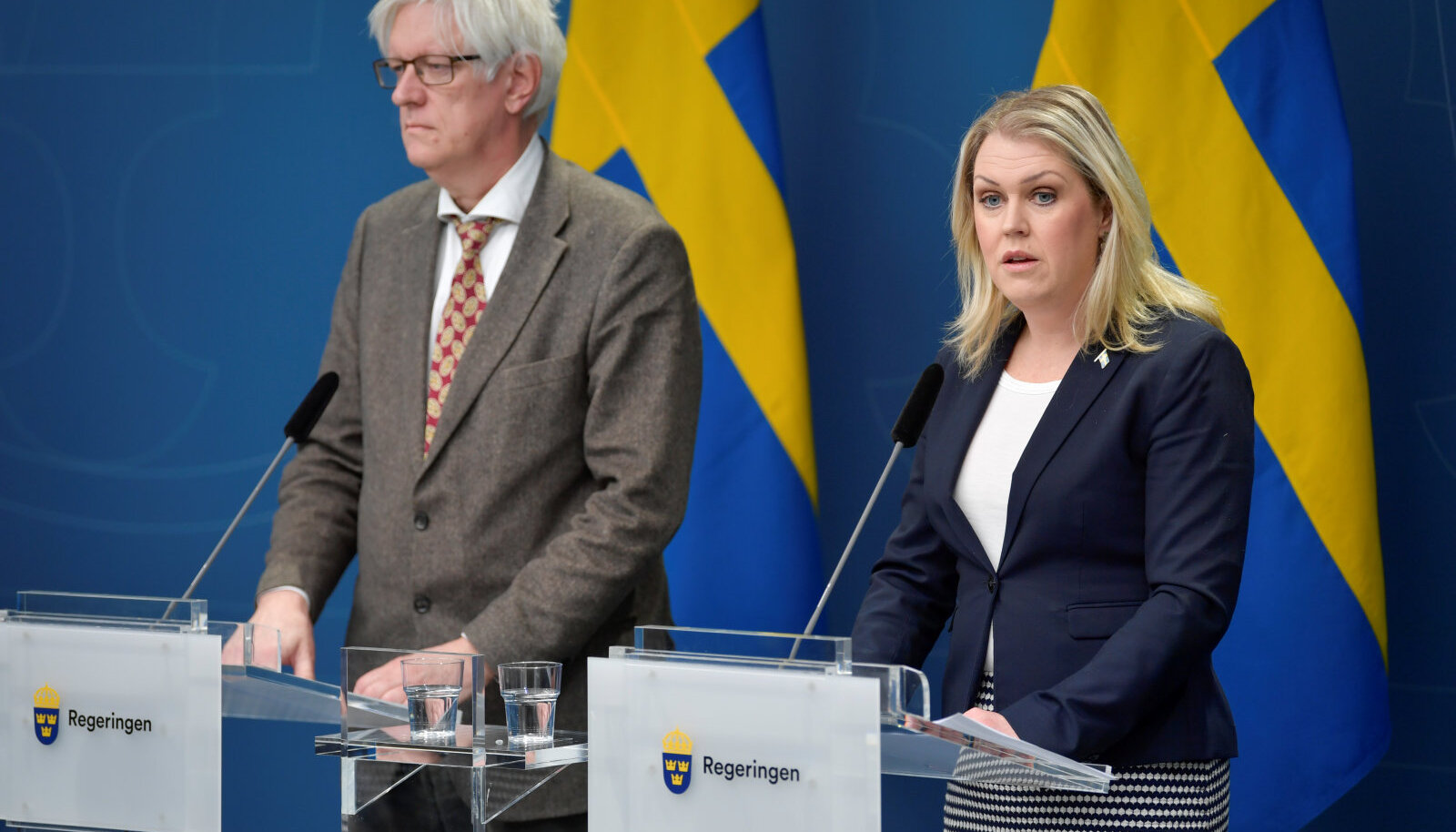 Rootsi tervishoiuameti juht Johan Carlson ning tervise ja sotsiaalminister Lena Hallengren.