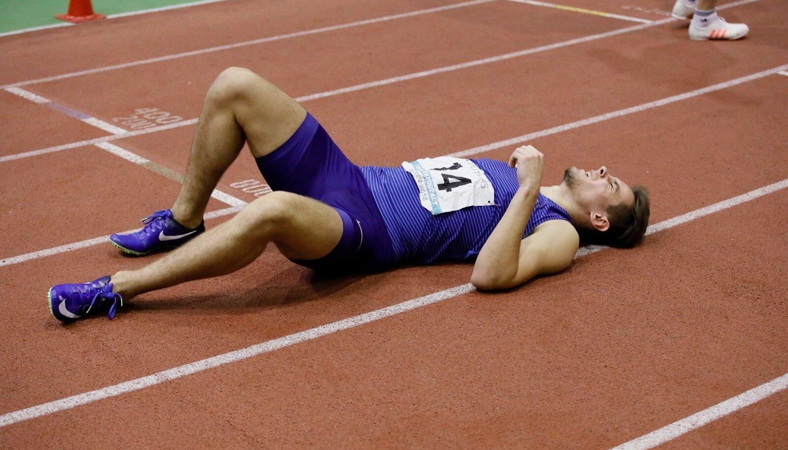 Hans-Cristjan Hausenbergi jaoks kujunes 1000 m jooks piinarikkaks. Seitsmevõistluse rekord paranes siiski 300 punkti võrra.