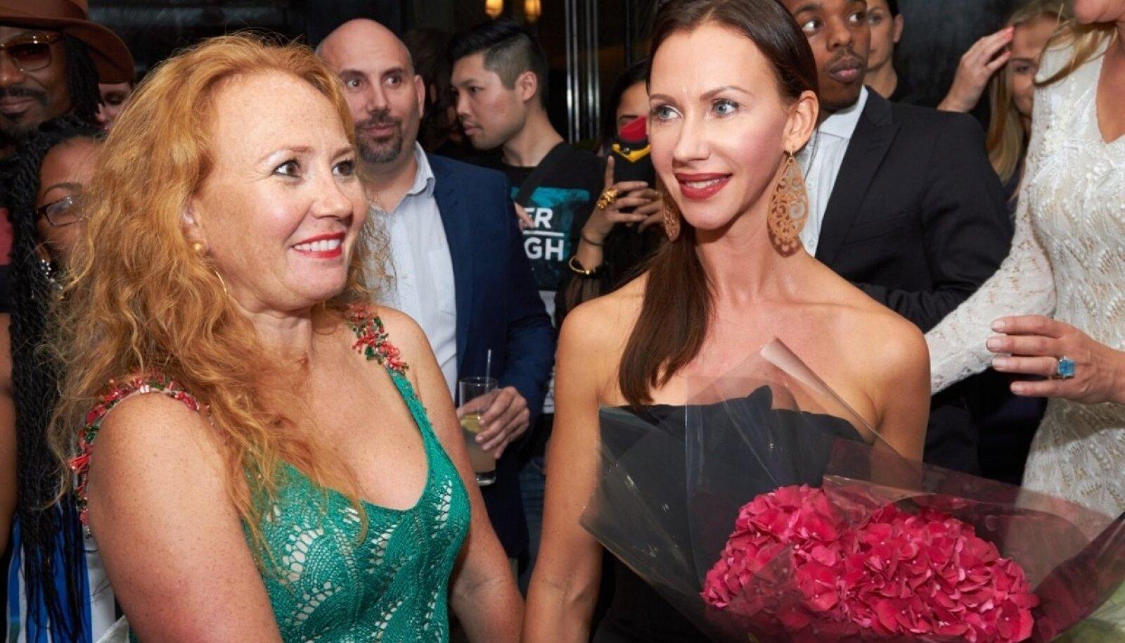 Kristina Viirpalu (paremal)