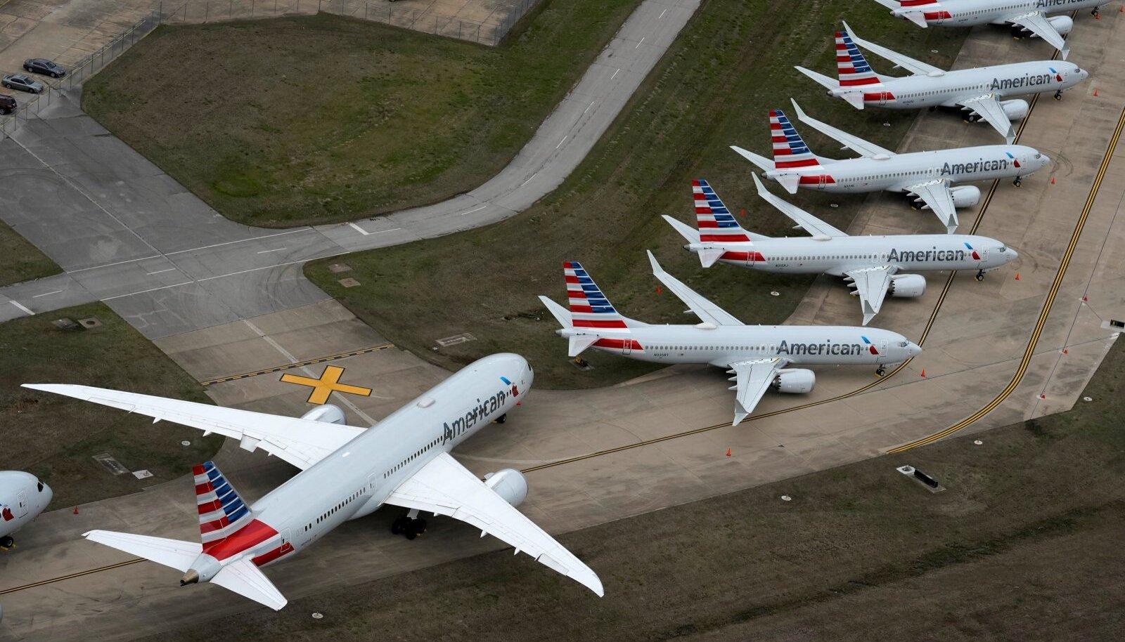 Koroonapuhang ja liikumipiirangud jätsid aeroplaanid maapinnale, see toob lennukompaniidele suurt kahju.