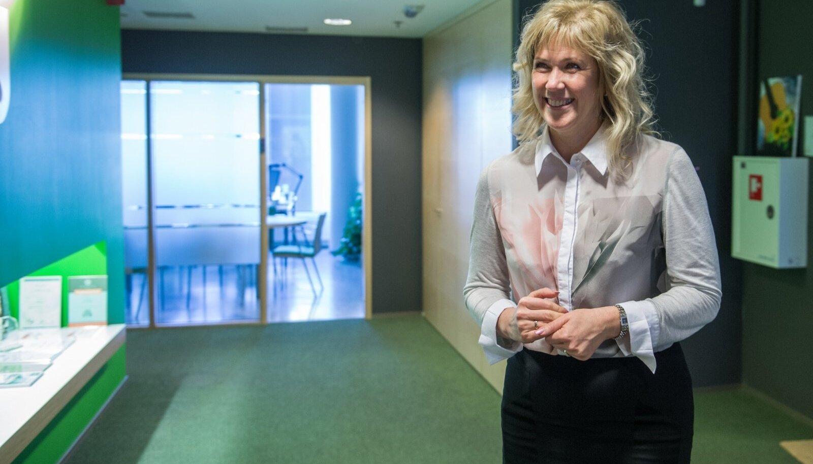 Anneli Heinsoo sõnul saaks IT-sektorisse rohkem inimesi kaasata ümberõppe kaudu või ülikoolis eriala õppides.