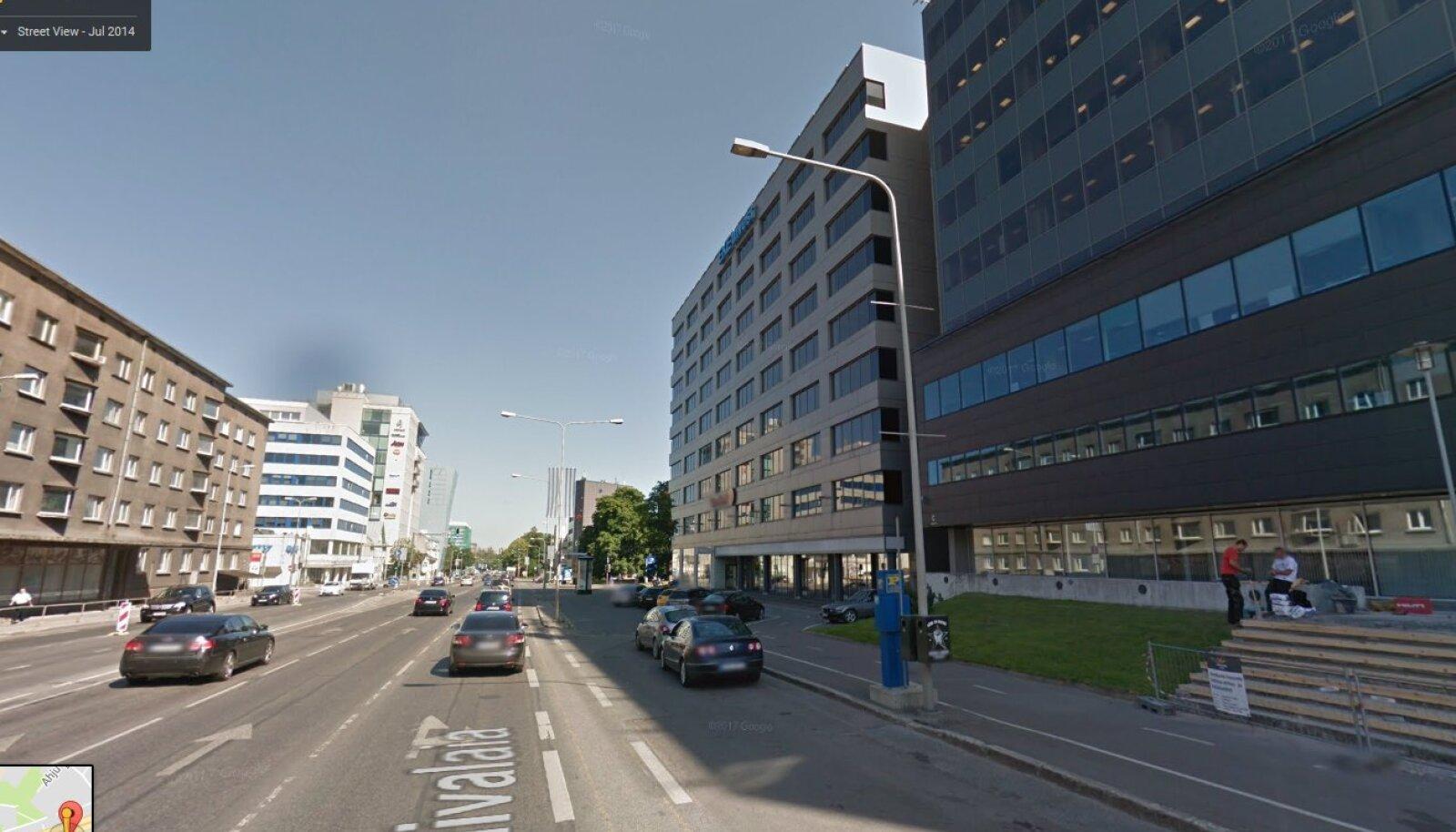 Tallinn, Liivalaia 12 juures (Google Street View ekraanitõmmis)