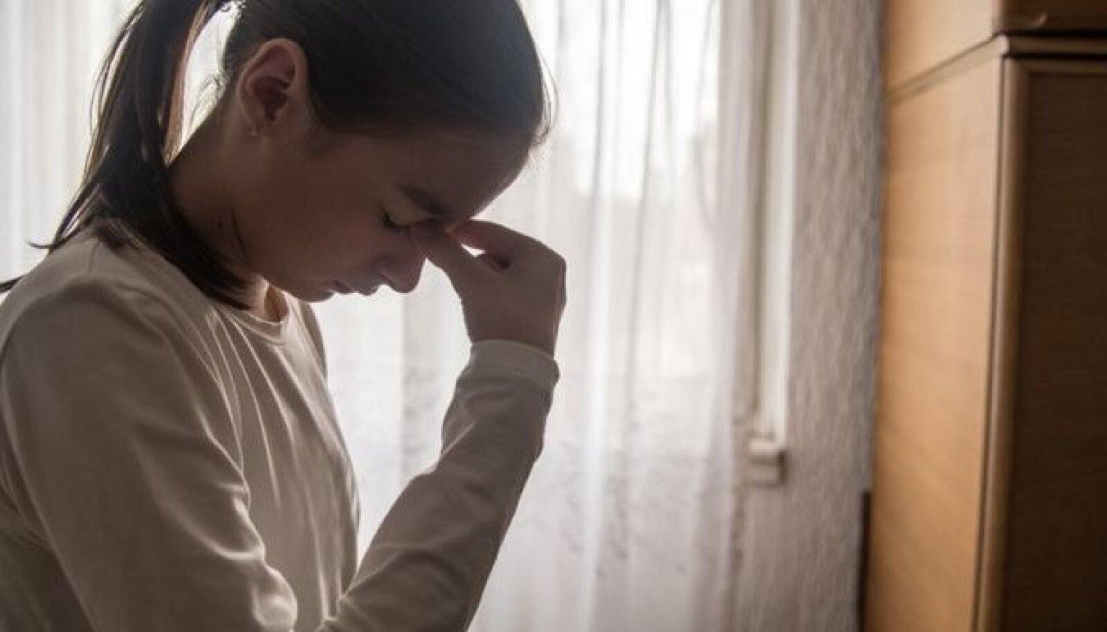 В основном дети и подростки с коронавирусом страдают от головной боли
