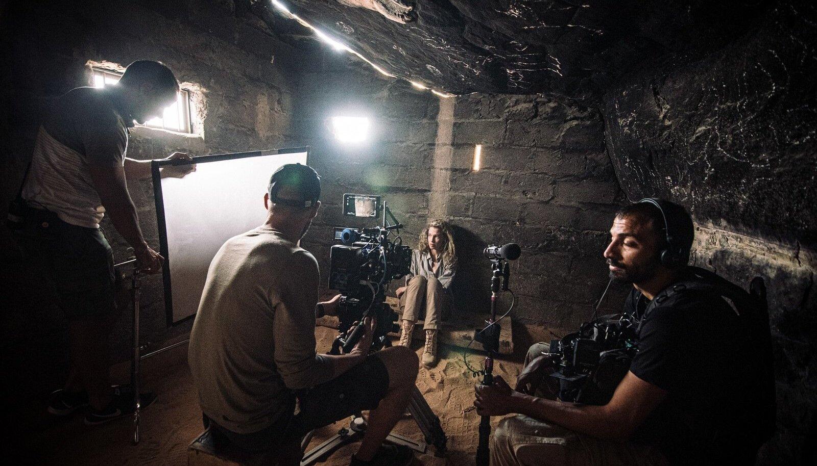 """Rootsi näitlejanna Frida Westerdahl Kadri Kõusaare filmi """"Kõrb"""" võtetel Jordaanias"""
