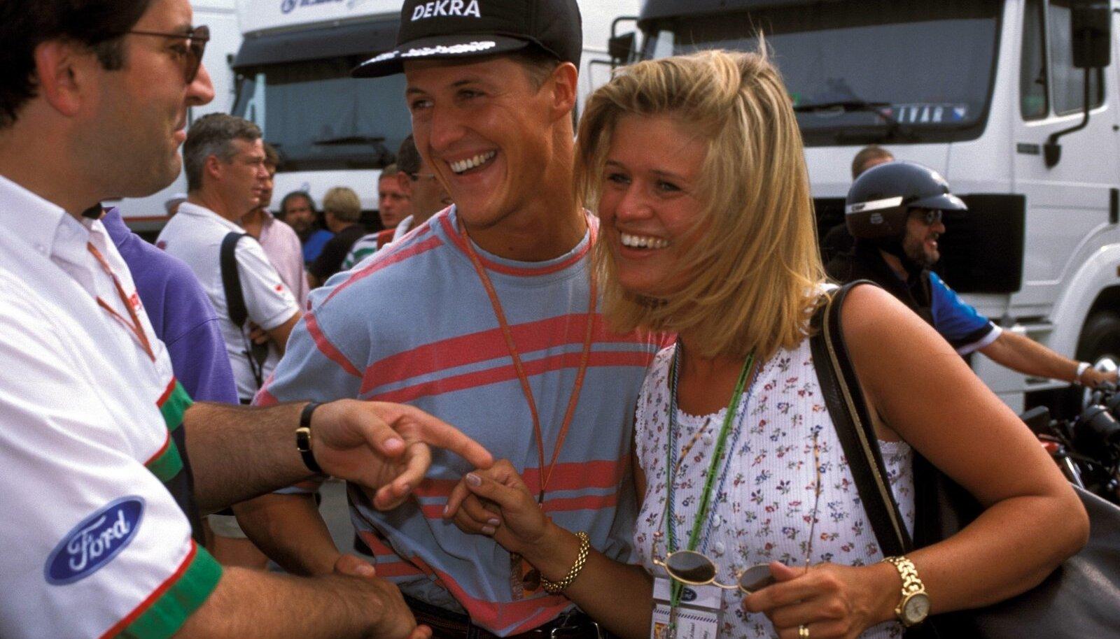 SEDA FILMIS EI NÄE: Sellel 1994. aastal tehtud pildil ei ole Michael Schumacher ja Corinna Betsch veel abiellunud. Corinna oli esiti hoopis Michaeli tiimikaaslase ja konkurendi Heinz-Harald Frentzeni pruut.
