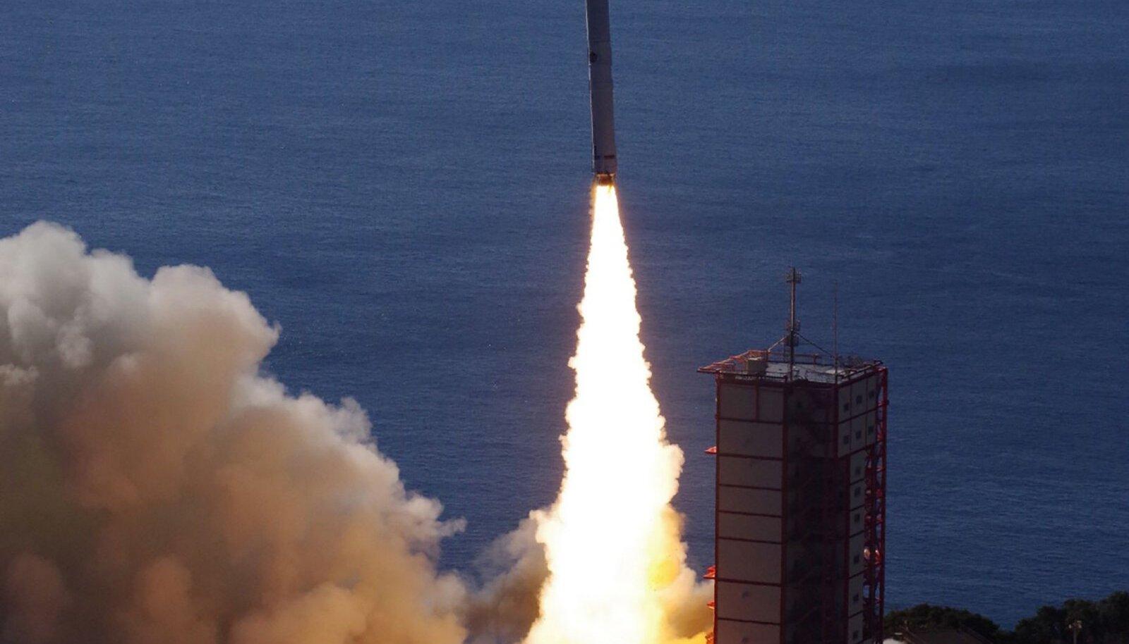 Epsilon-4 rakett õhku tõusmas