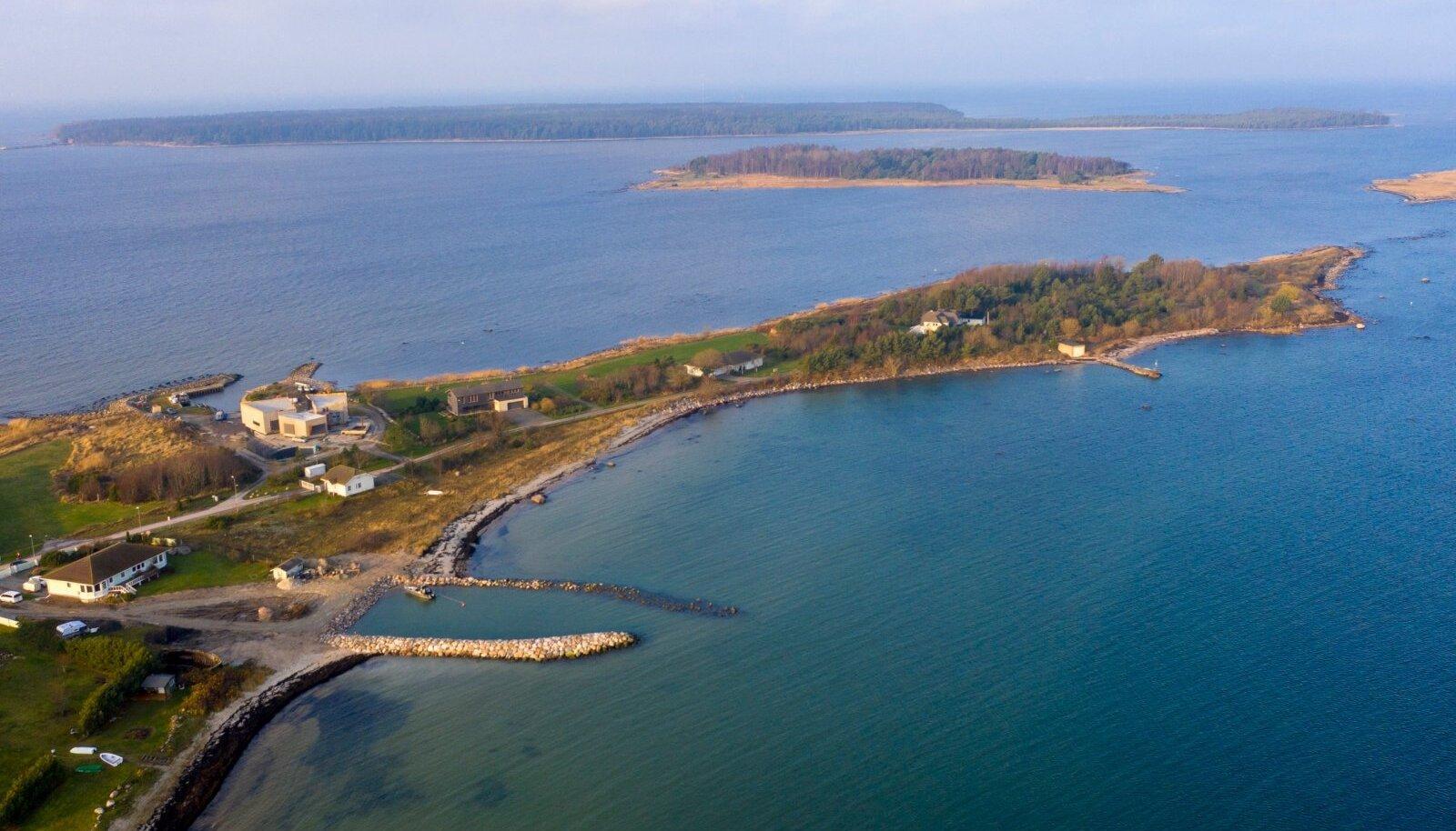 Valdur Kahro ebaseaduslikult Rohuneeme randa rajatud sadam