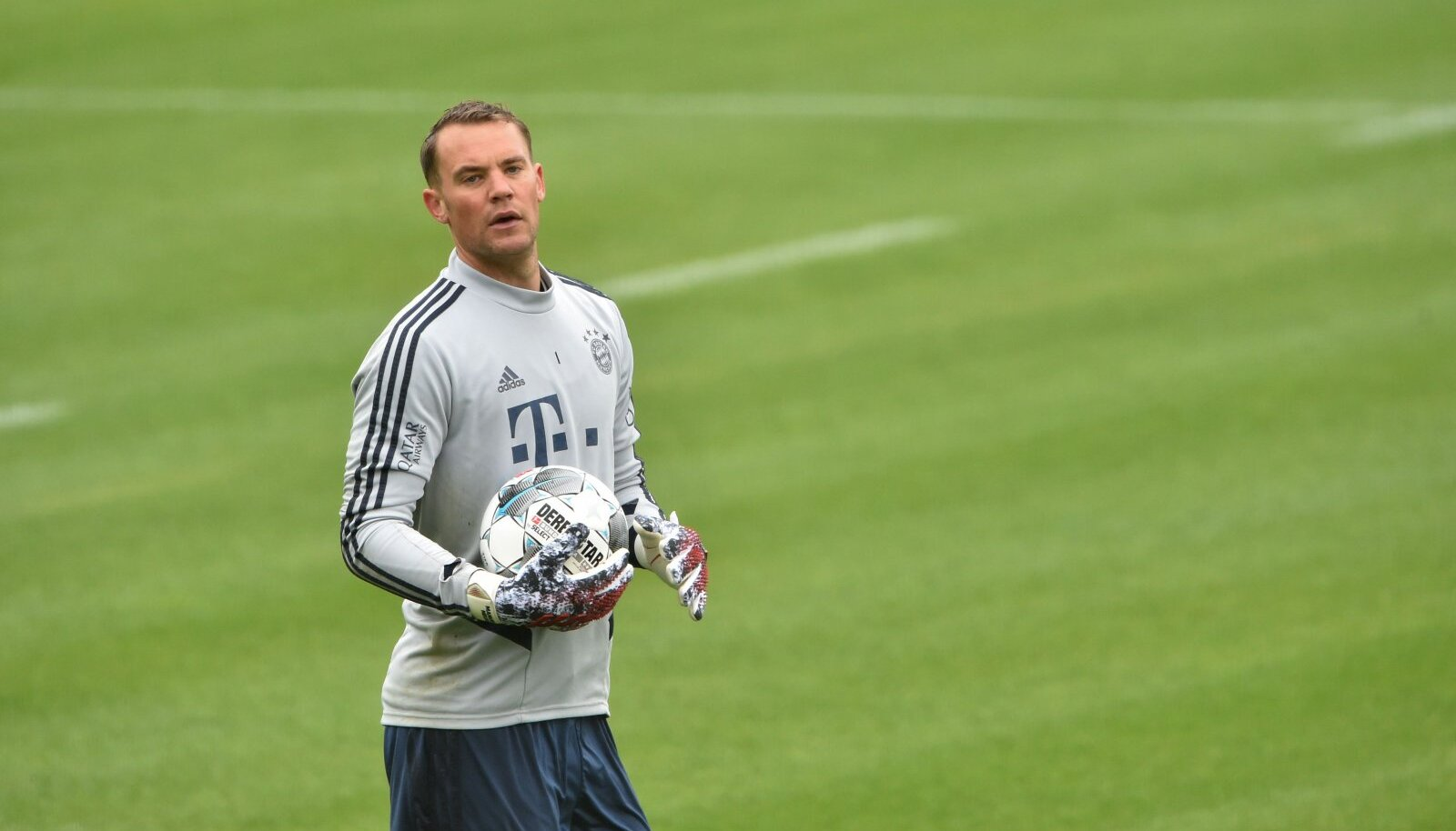 Müncheni Bayerni väravavaht Manuel Neuer teisipäevasel treeningul.
