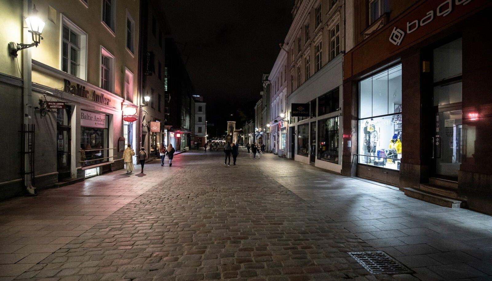 Pime Tallinna vanalinn reede õhtul 16.10.2020