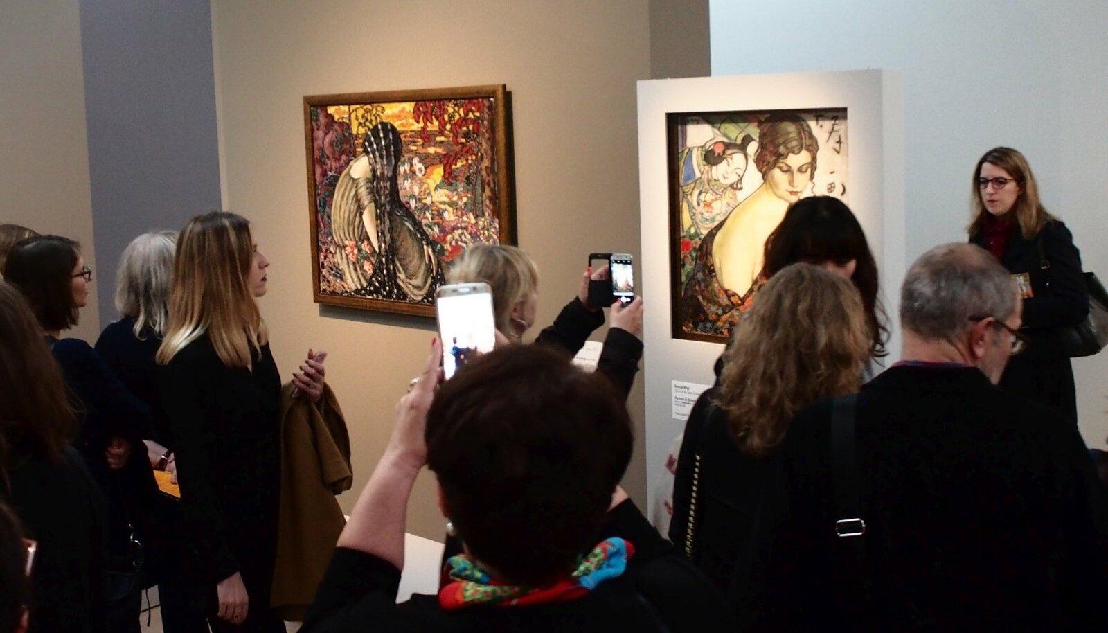 """EESTI KUNSTI KLASSIKA PARIISIS: Konrad Mägi maalid """"Meditatsioon"""" (vasakul) ja """"Naise portree"""" Orsays, 1986. aastal endises raudteejaamas avatud kunstimuuseumis, mis on üks Euroopa suurimaid."""