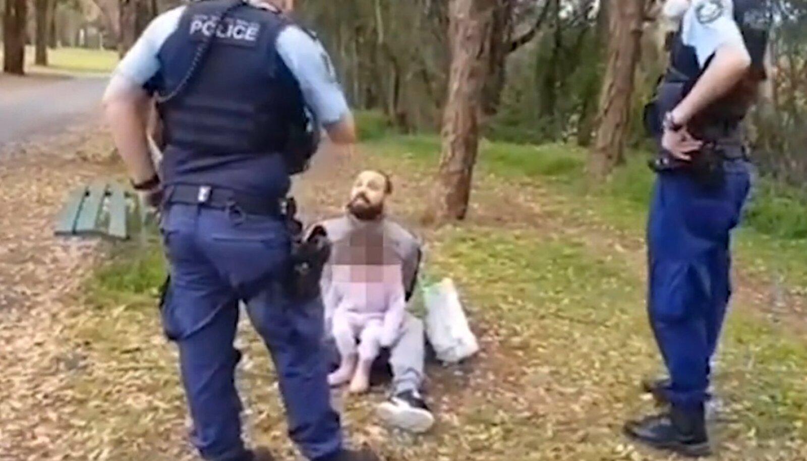 Мужчину арестовали за отказ носить маску