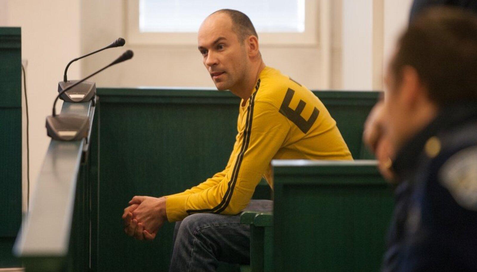 Indrek Põder kohtusaalis