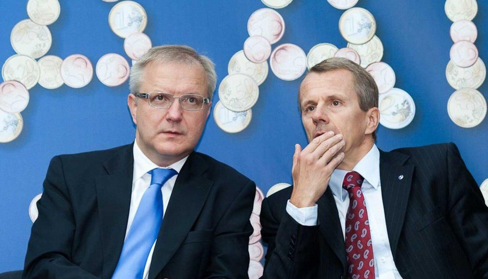 Volinik Olli Rehn (vasakul) on rahandusminister Jürgen Ligi probleemidega kursis ja loodab, et Eesti siiski ühineb Euroopa Stabiilsusmehhanismiga. (Foto: Andres Putting)
