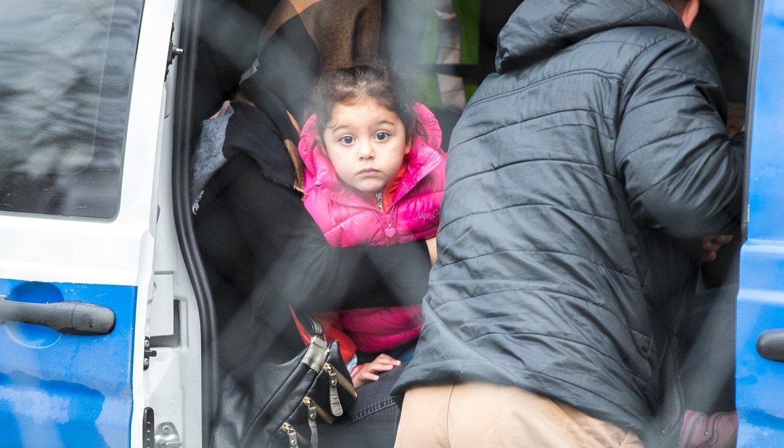 dd249465829 Eesti saatis Bagdadi 3- ja 4-aastased pisitüdrukud