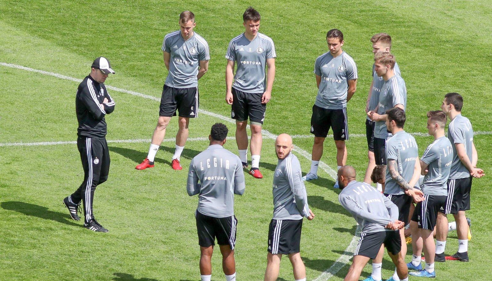 Varssavi Legia mängijad treeningul.