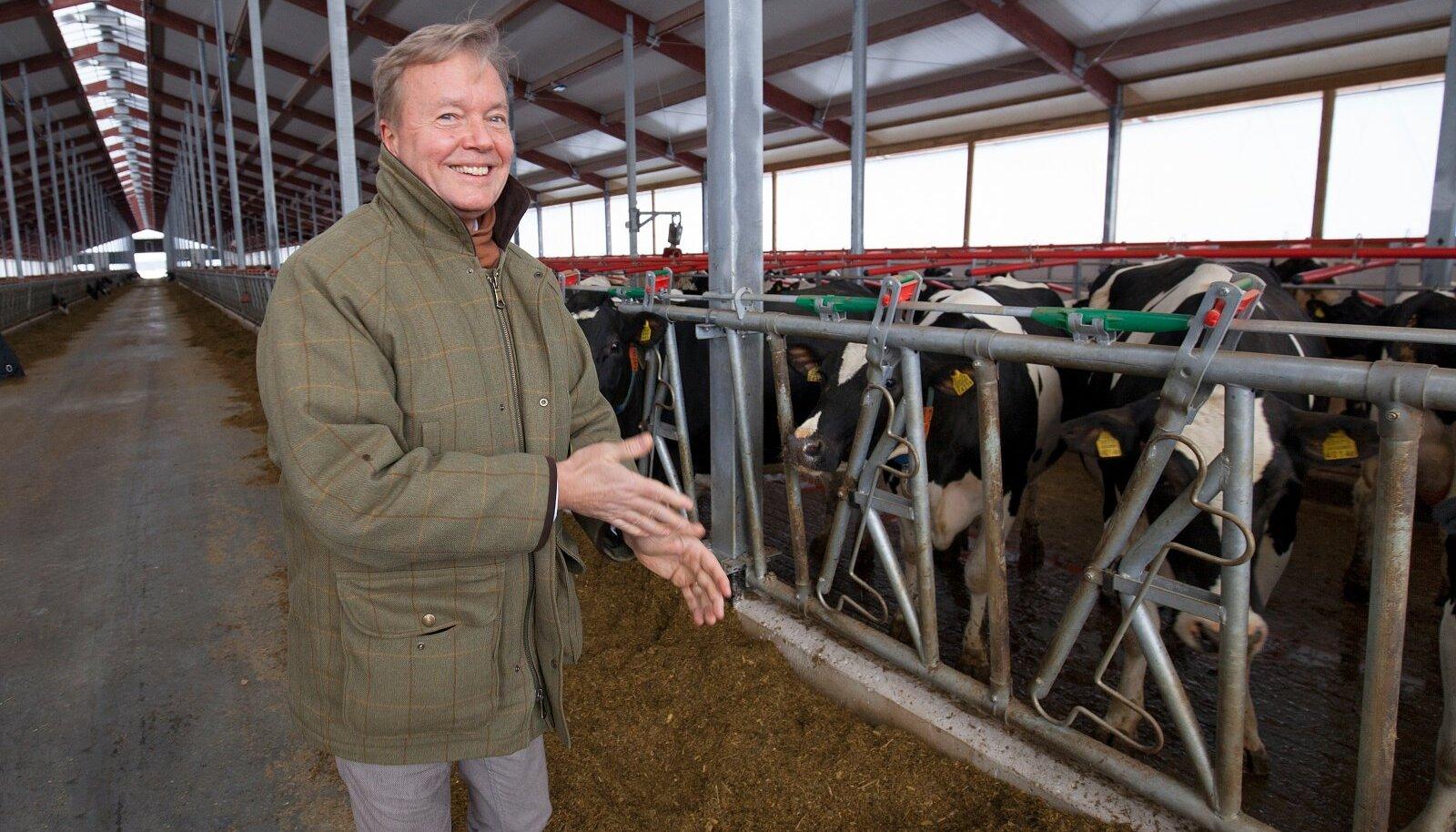Tipplehmad kasvavad uues laudakompleksis, mis avati kaks aastat tagasi. Farmi avamise üle rõõmustab Kaiu LT omanikfirma Trigon Agri nõukogu esimees Joakim Helenius.