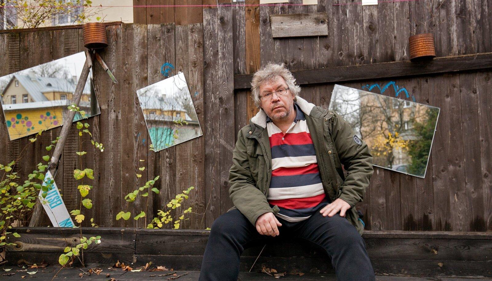 HING SEES: kirjanik Peeter Sauter kasutab kirjanduslikuks materjaliks omaenese elu.