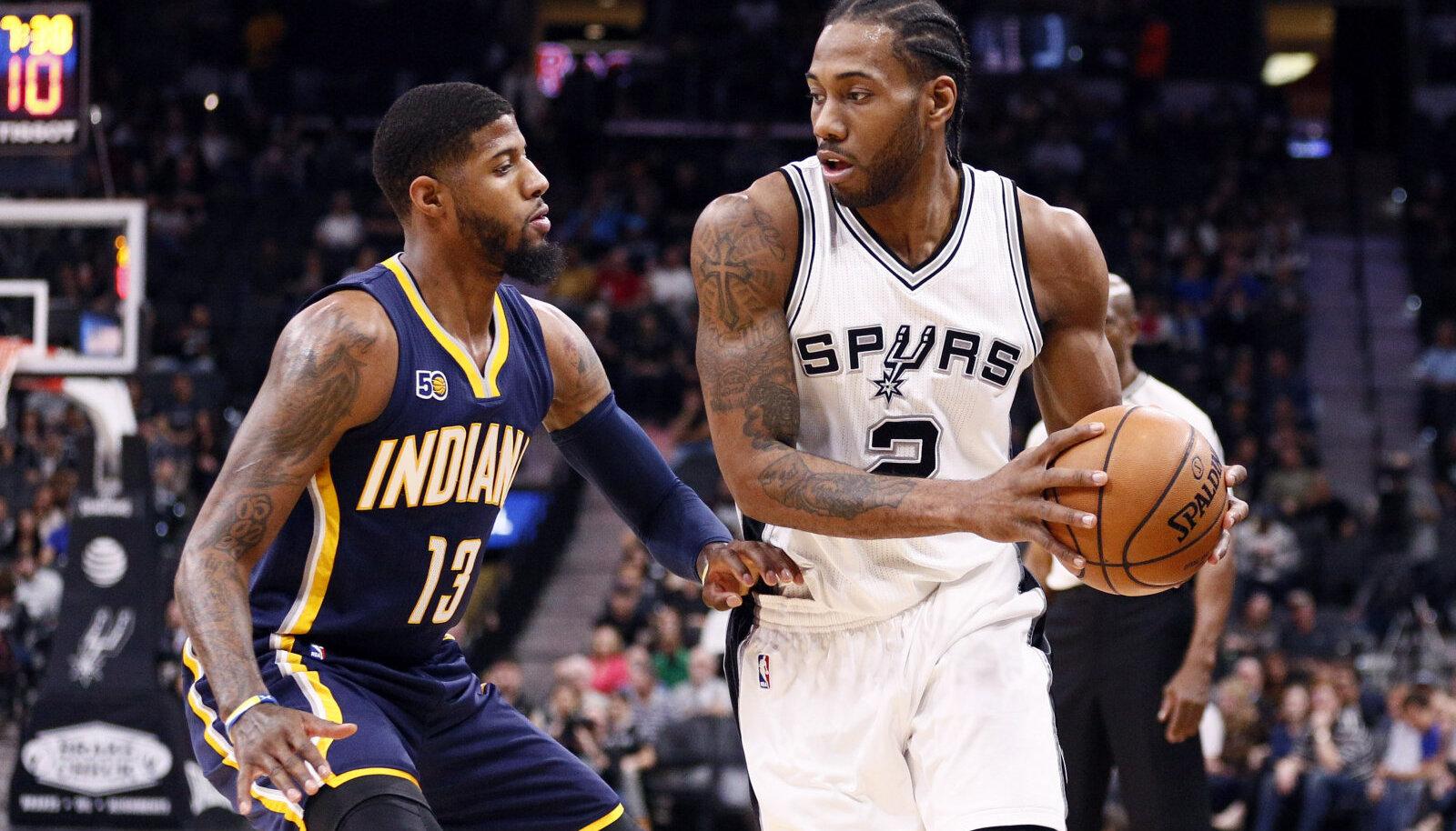 Aeg möödub kiirelt: sellel 29 kuud tagasi tehtud pildil heitlevad Indiana Pacersi liider Paul George ja San Antonio Spursi ametivend Kawhi Leonard. Nüüdseks on mõlemad kaks korda omal initsiatiivil klubi vahetanud ja sügisest näeb neid juba Los Angeles Clippersis.