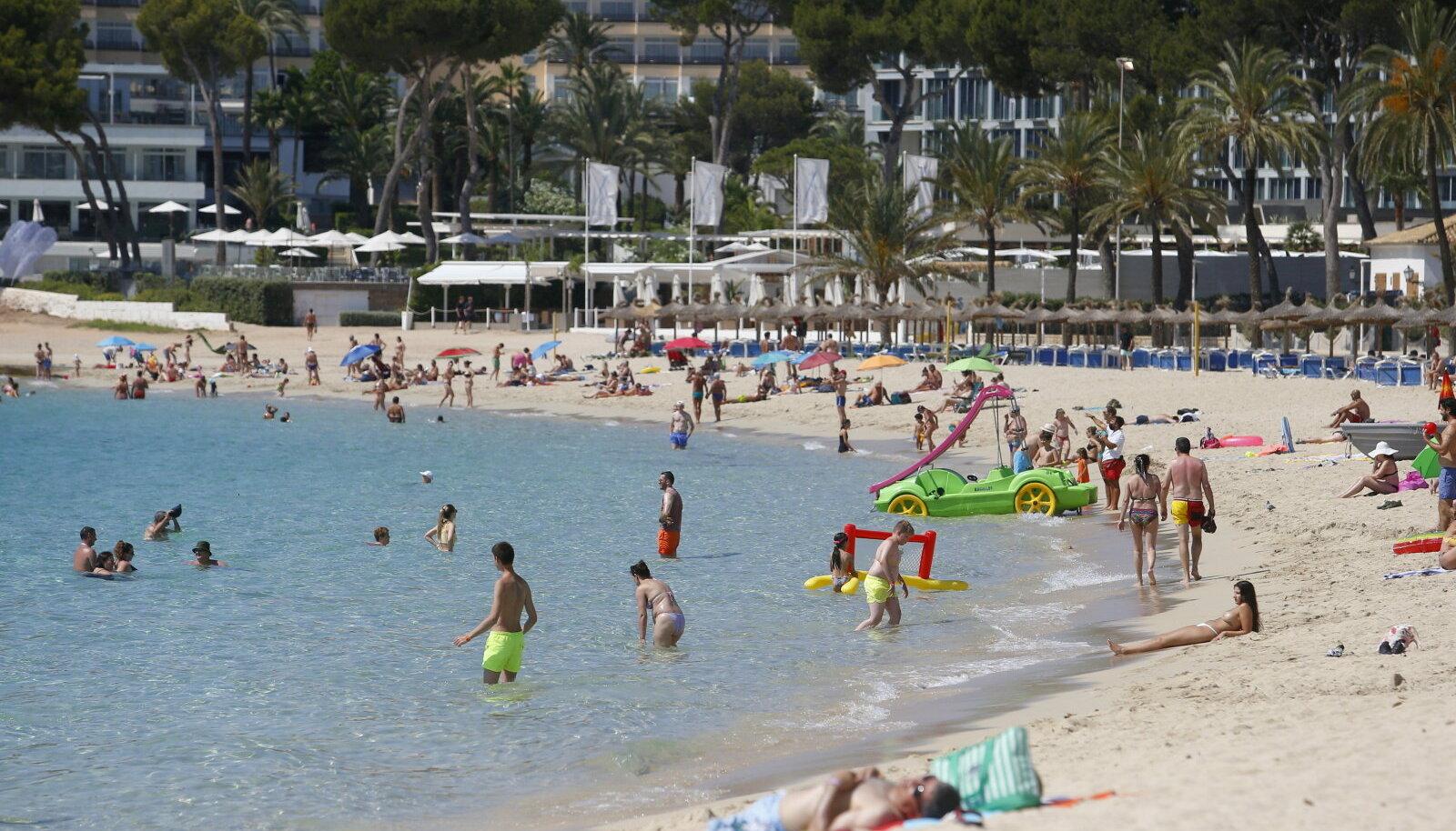 Suvitajad Hispaanias Mallorca saarel.