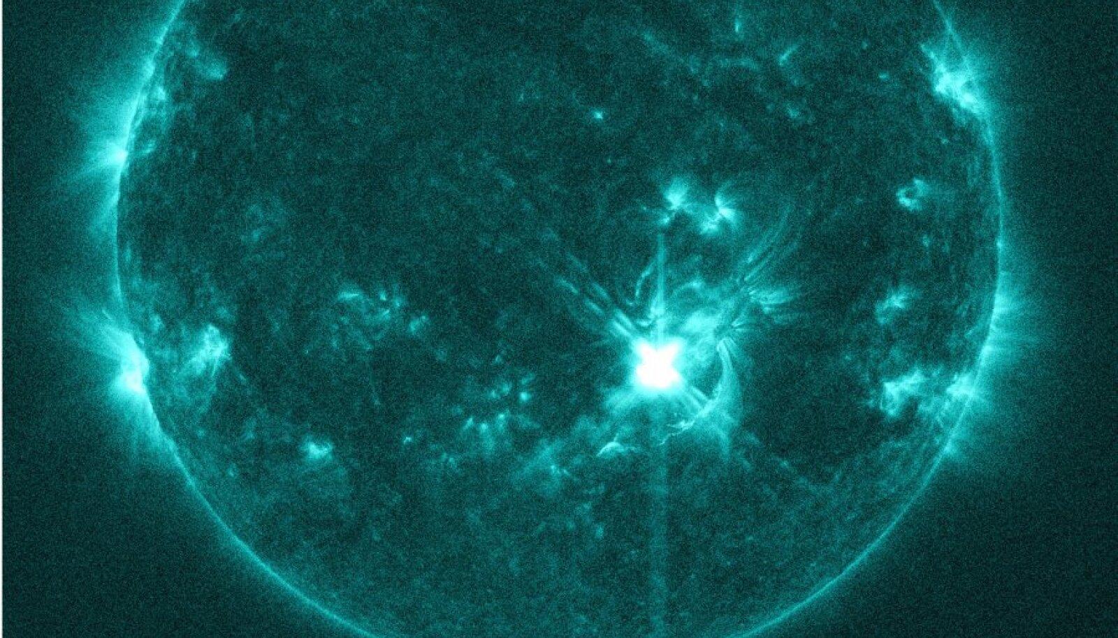 NASA päikeseobservatoorium pildistas 10. novembril Päikese X-klassi loidet.