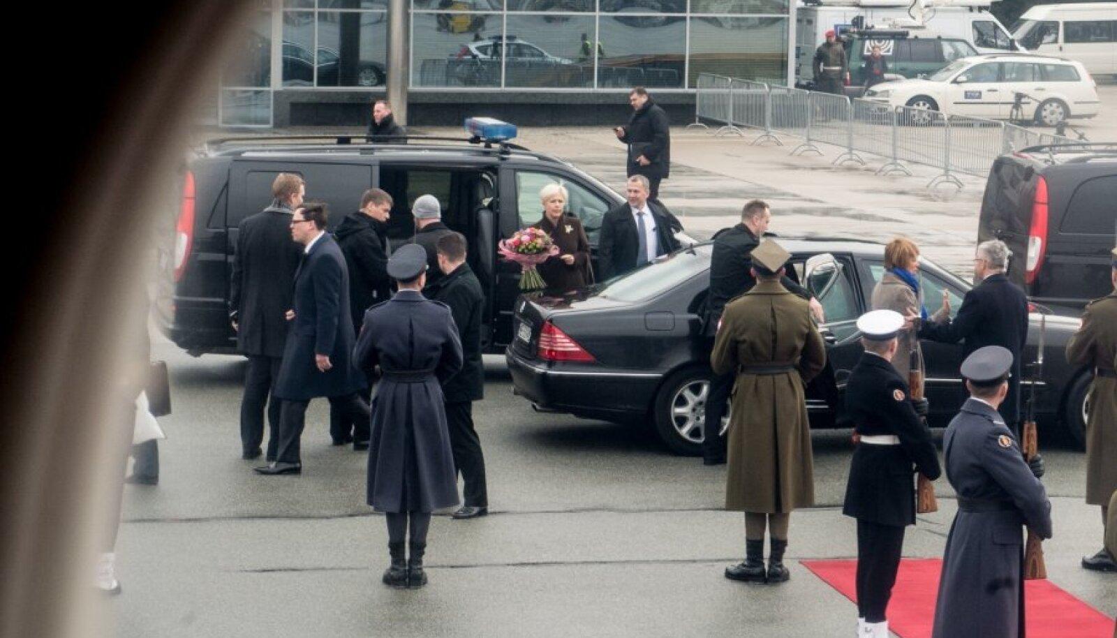Presidendipaari saabumine Poola