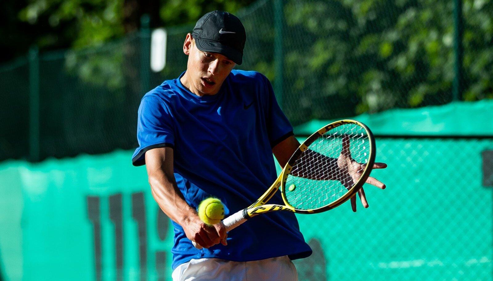 Oliver Ojakäär on praegu üks Eesti silmapaistvamaid noori tennisiste.