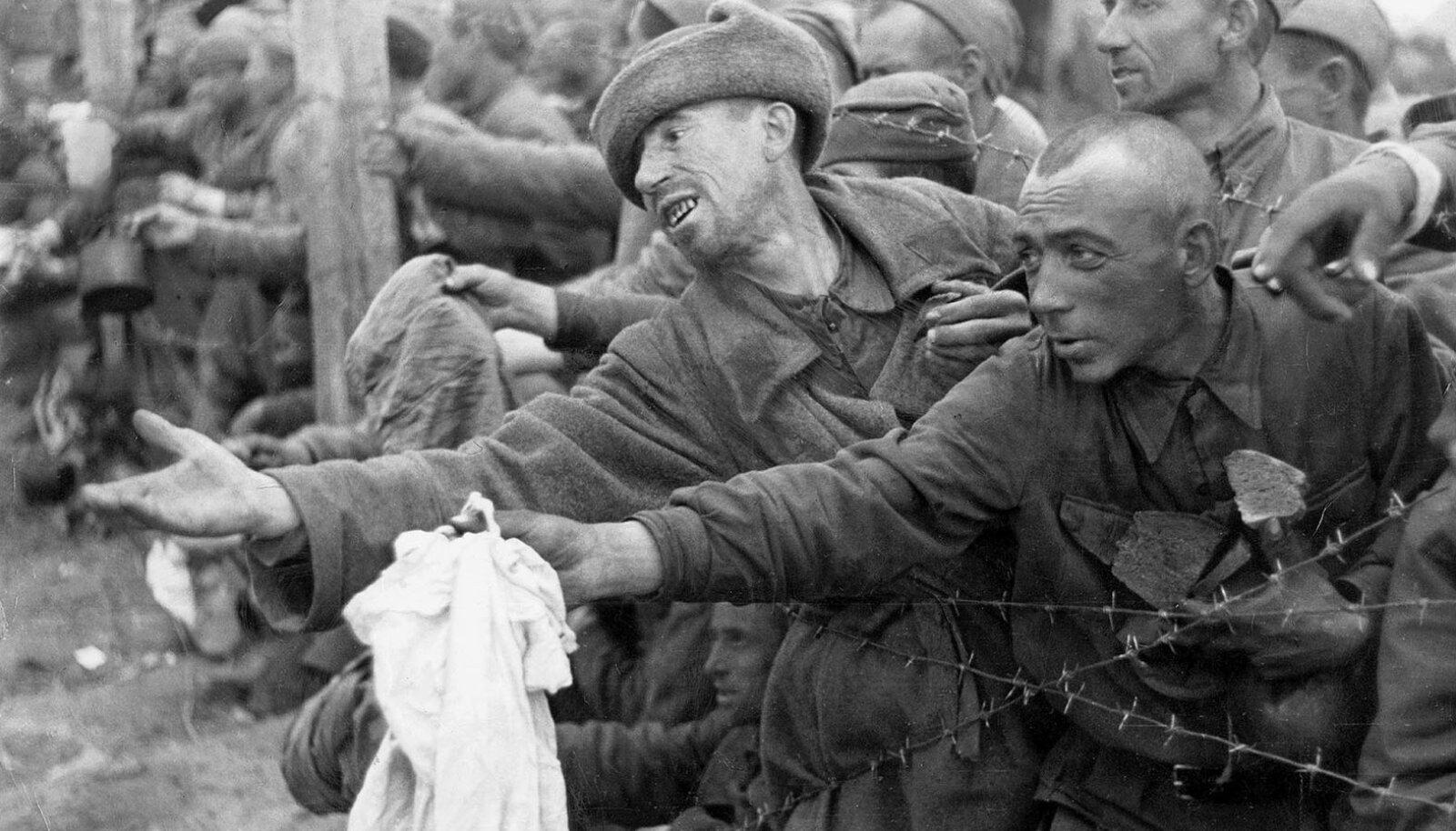 Sõja algul oli Punaarmee kehvemini varustatud, nigelama väljaõppega ning vähesemate sõjakogemustega kui sakslased.