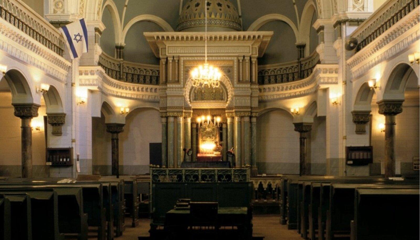 Uksed teadmata ajaks sulgenud Vilniuse sünagoog