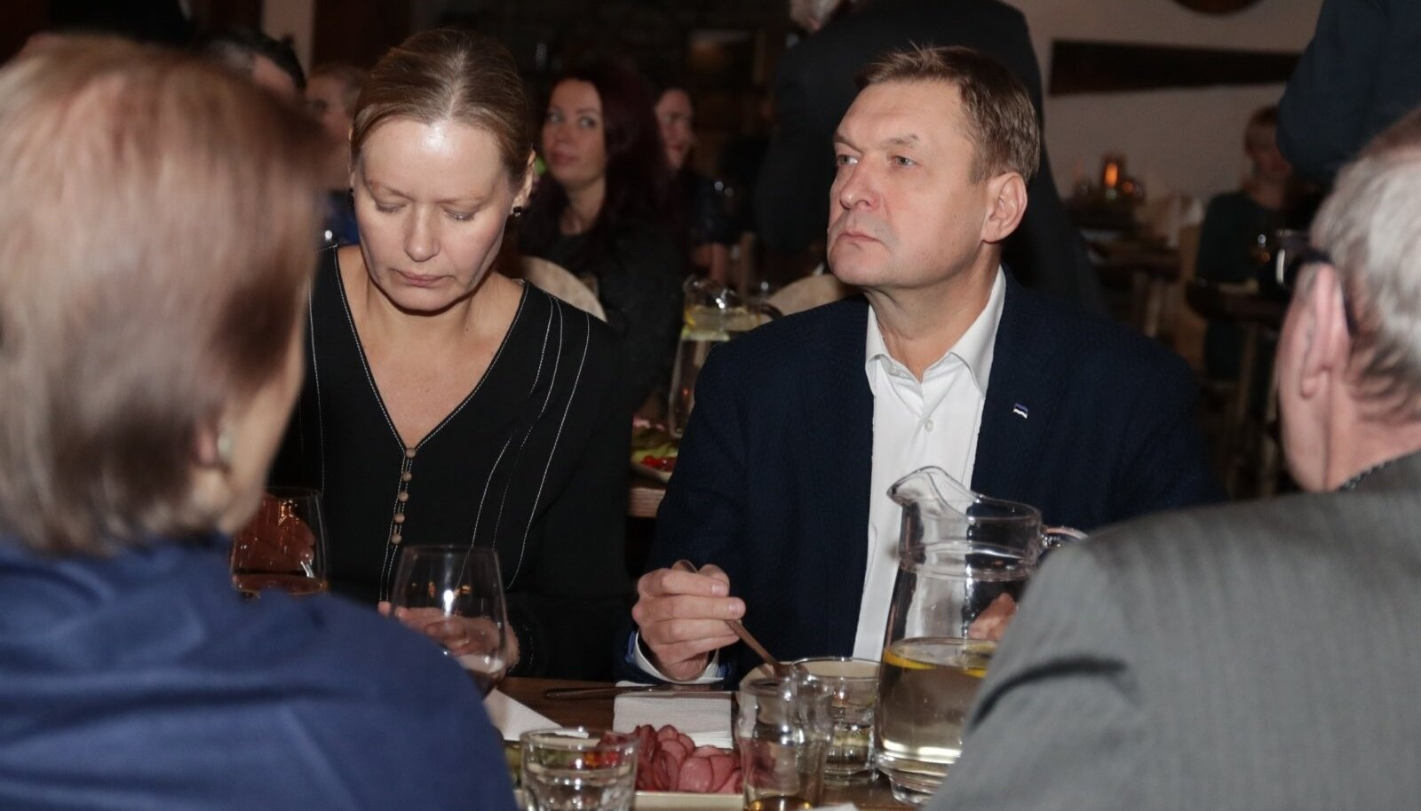 Riigikokku pääsenud näitleja Raivo E. Tamm Isamaa valimispeol.