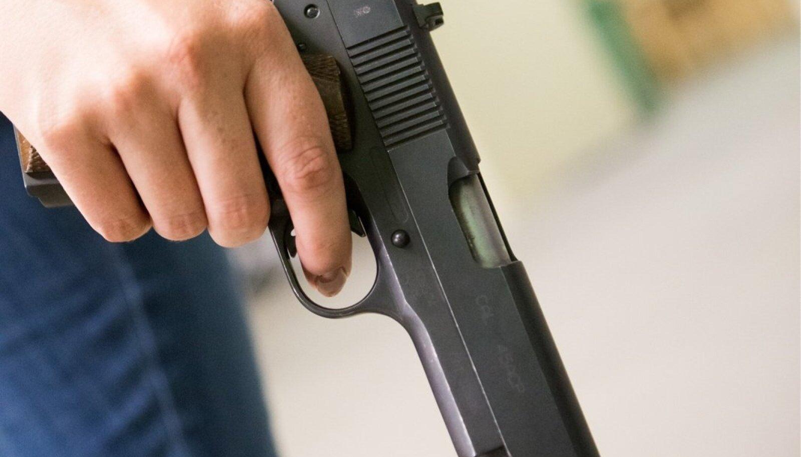 Püstol