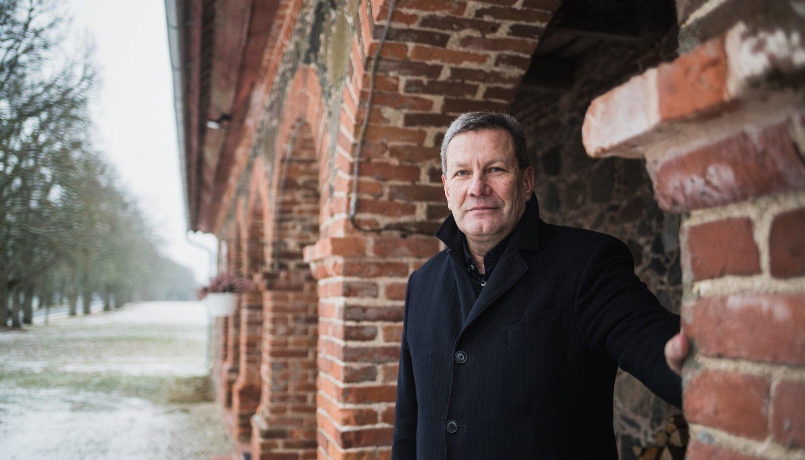 Olustvere mõisa taastamist võib vabalt pidada Arnold Pastaku elutööks.