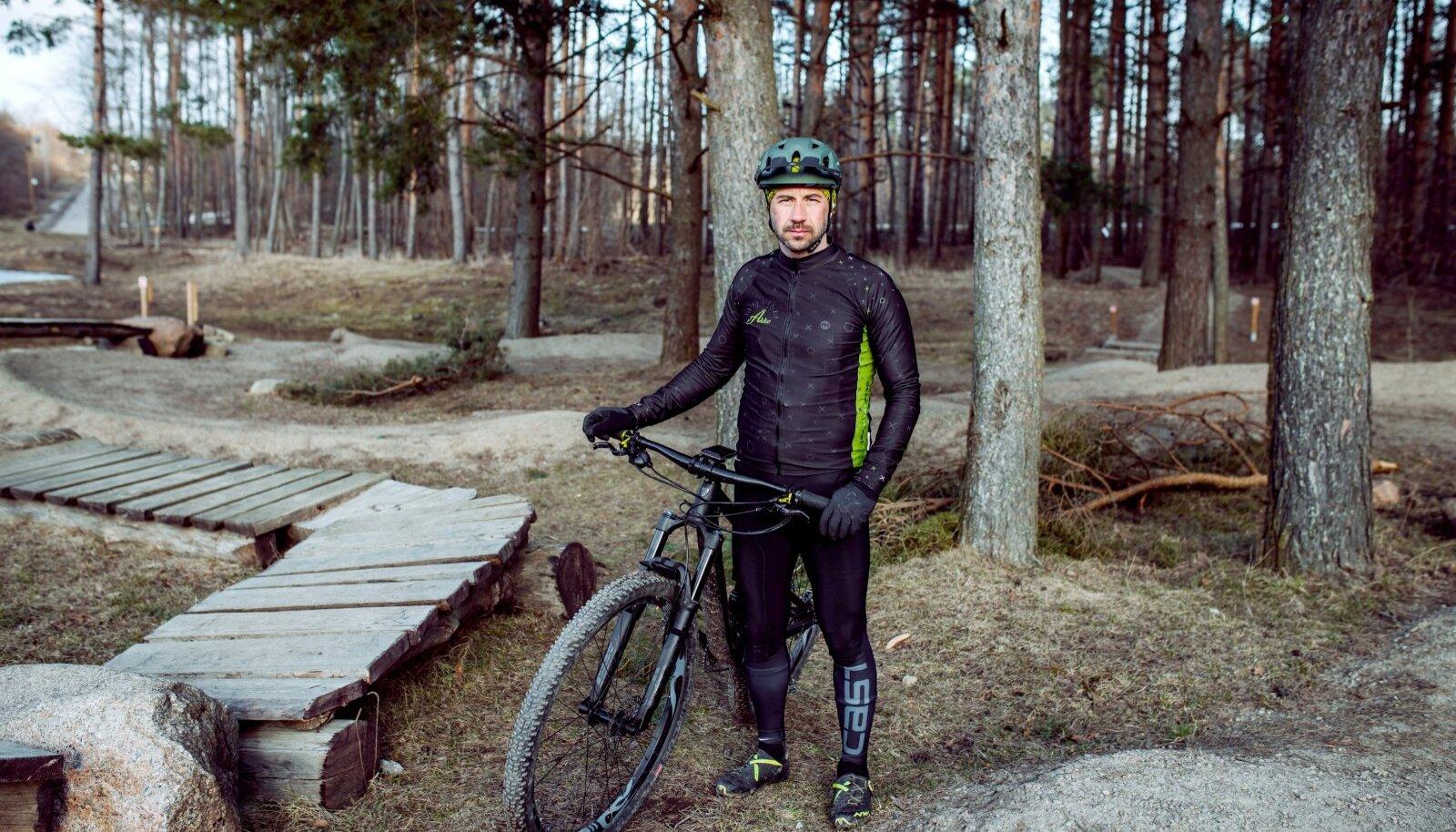 Rattasõit on Vova sõnul just midagi sellist, mida temasugune keskealine mees, kel on palju kohustusi, stressi maanda-miseks vajab.