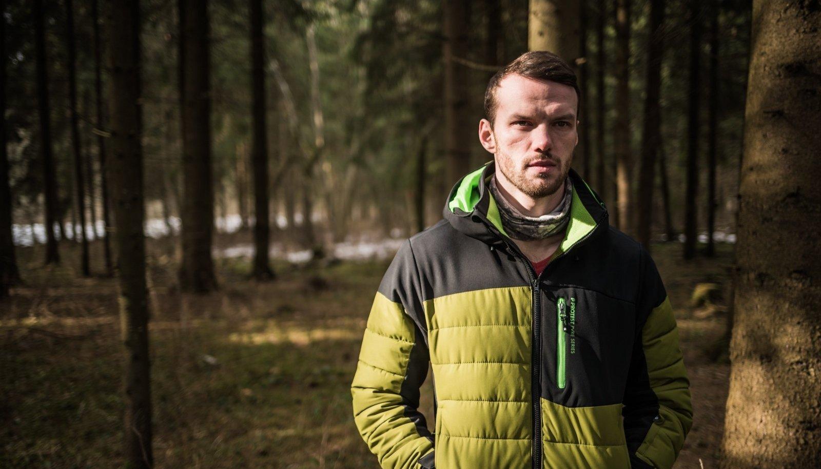 """""""Skandinaavia vaikust"""" ei saanud ühe jutiga filmida, räägib Reimo Sagor. """"Esimesel võttepäeval sadas maha lumi, mis pärast pooli võtteid sulas. Nii lükkus edasine filmimine järgmisse talve."""""""