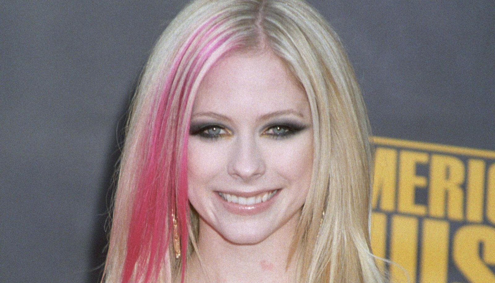 Avril 15 aastat tagasi.