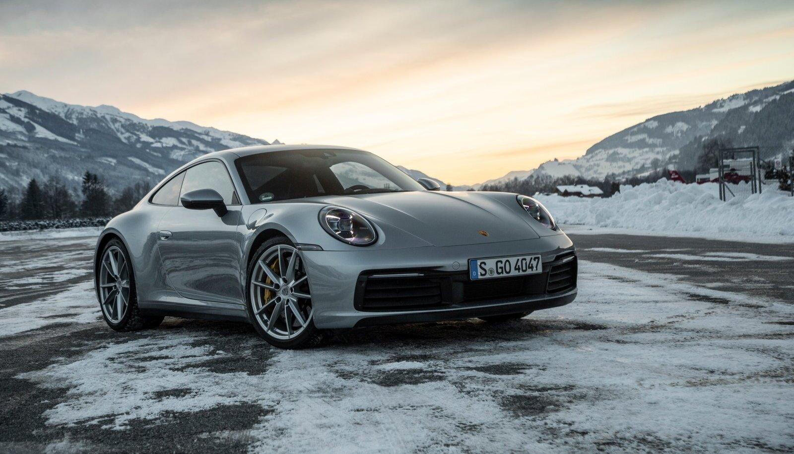 Porsche 911 välimus sai märksa musklilisem, jõudu ja sitkust on senisest rohkem ning juhiabid ja moodne elektroonika teevad legendaarse sportlase nutikamaks.