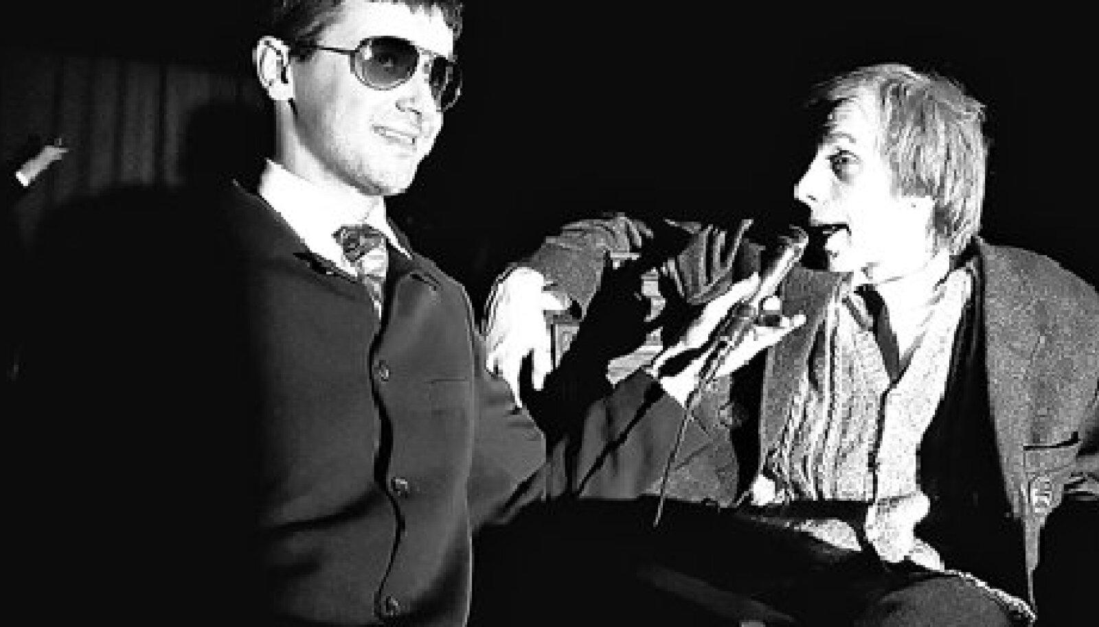 Nero Urke (Kaarel Ird) ja Robert Annus (Urmas Ott) Kongresside Palee zeljonaja komnata's