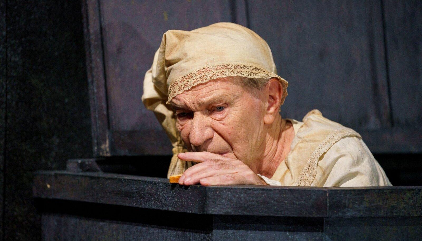 """See, kuidas vanameister Volli Käro ütleb Becketti """"Lõppmängus"""" vaid ühe sõna, kaalub üles mõnegi poole tunni pikkuse kõne."""