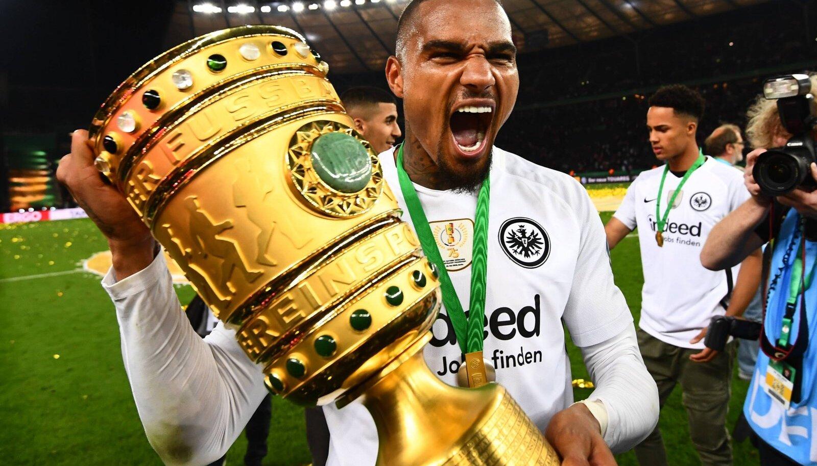 Eintrachti särgis Kevin-Prince Boateng Saksamaa karikaga.
