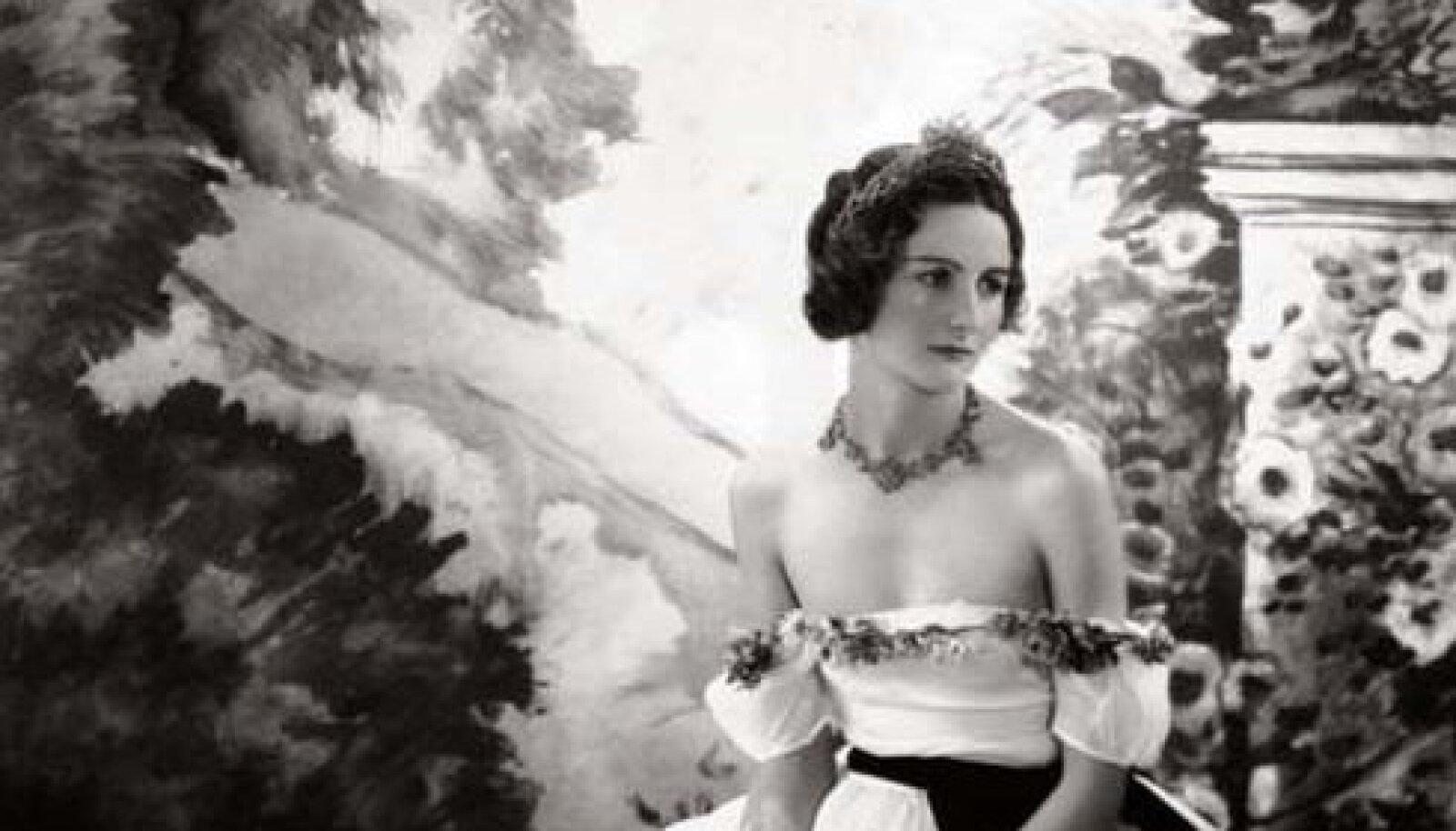 Nancy Mitford 1920-ndatel enne balli