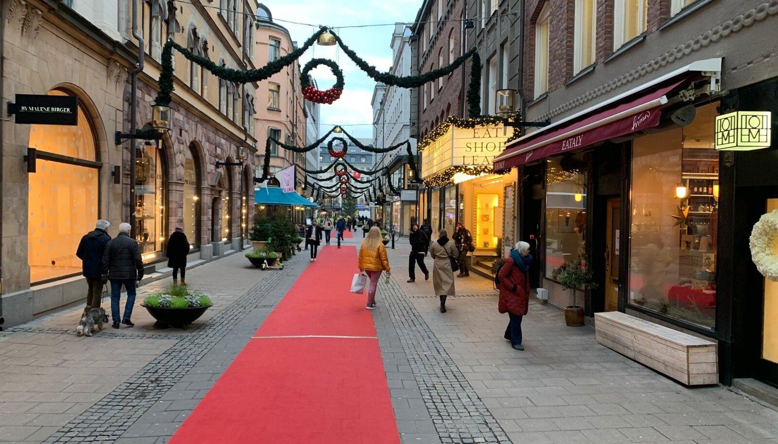 Stockholmi tänavad on inimestest üsna tühjad.