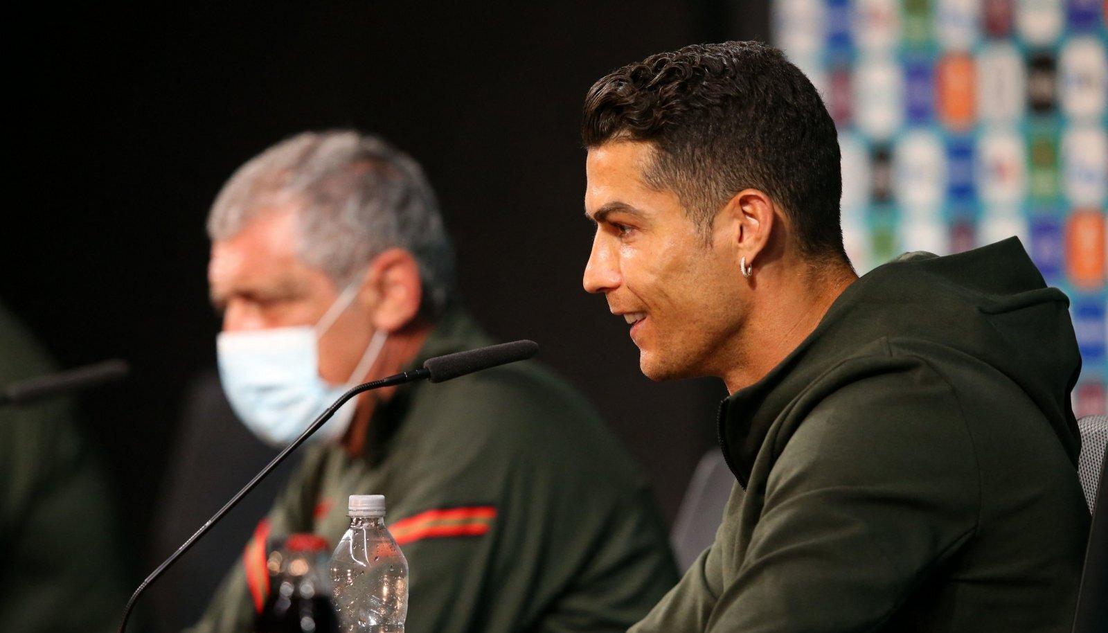 Cristiane Ronaldo ei tohi nihutada tema ees olevat ebatervisliku limonaadi pudelit, sest... noh, ei tohi.