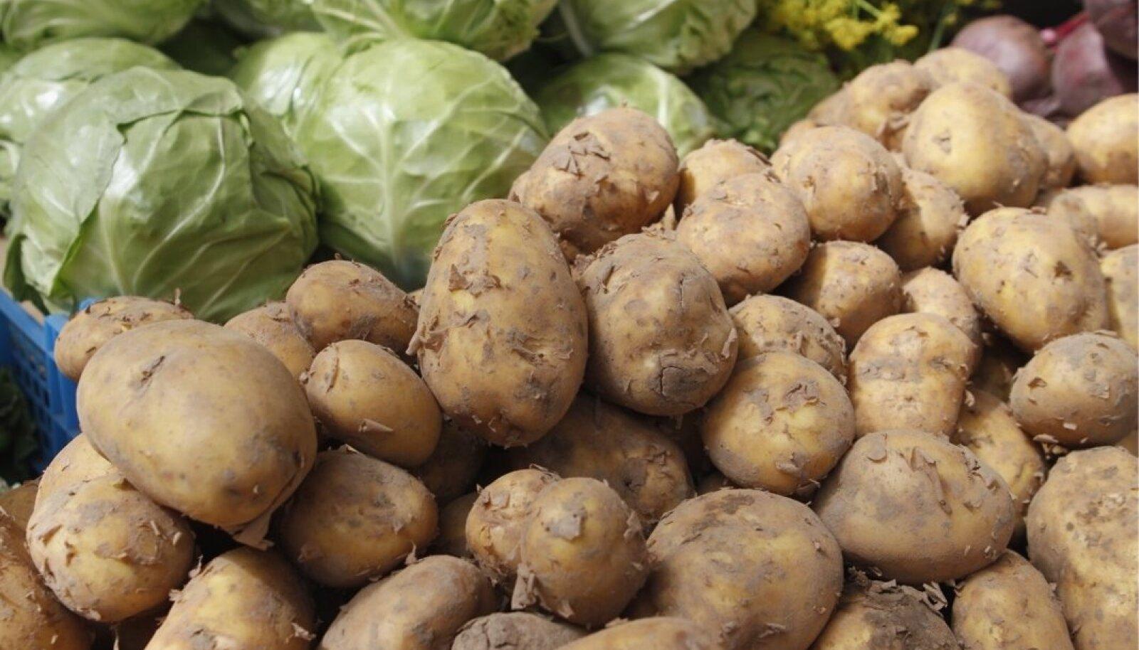 Algab mõnus aeg, kui juba saab kodumaist värsket kartulit ja kapsast.
