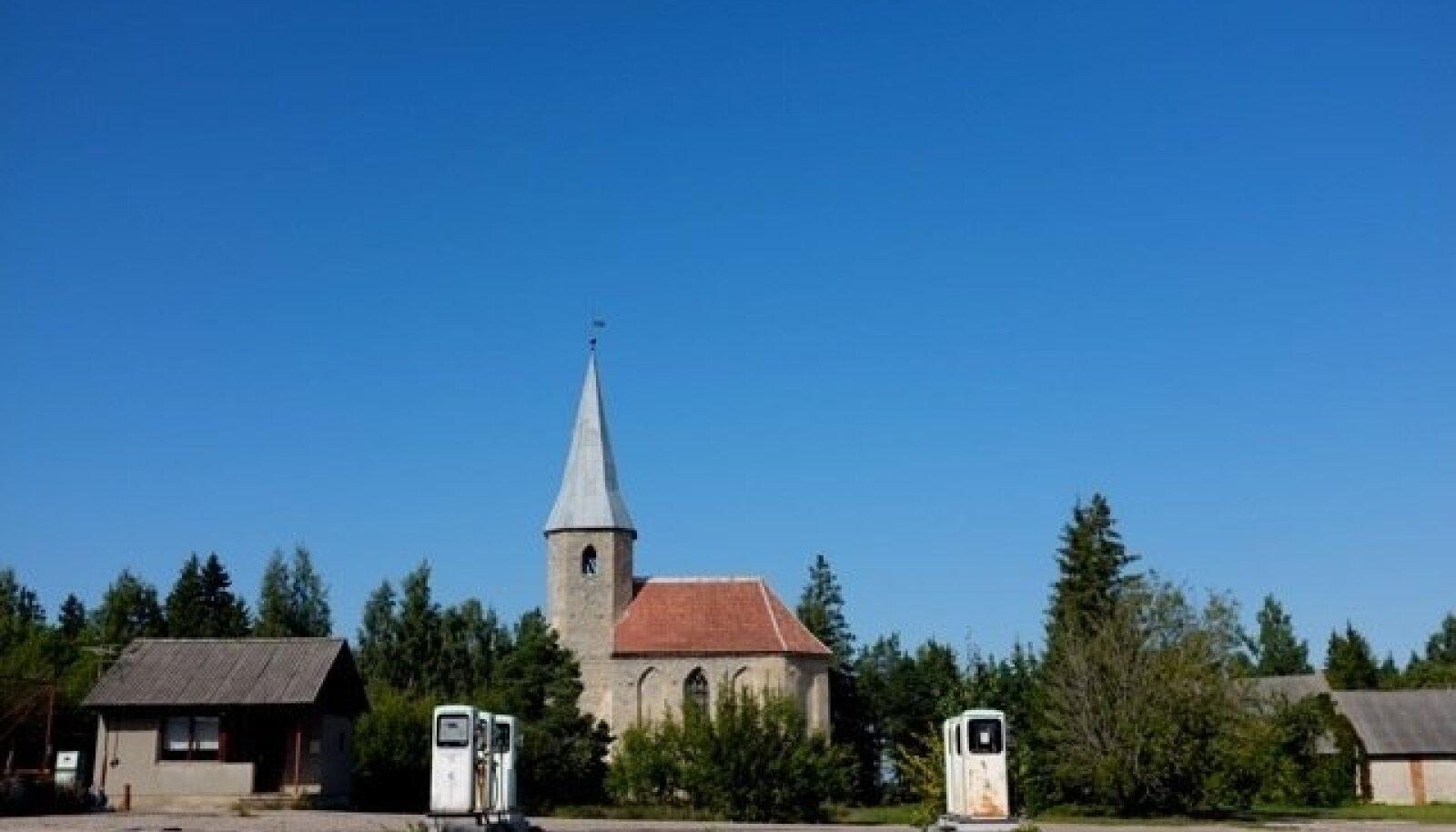 Paluküla kirik Pühalepa vallas