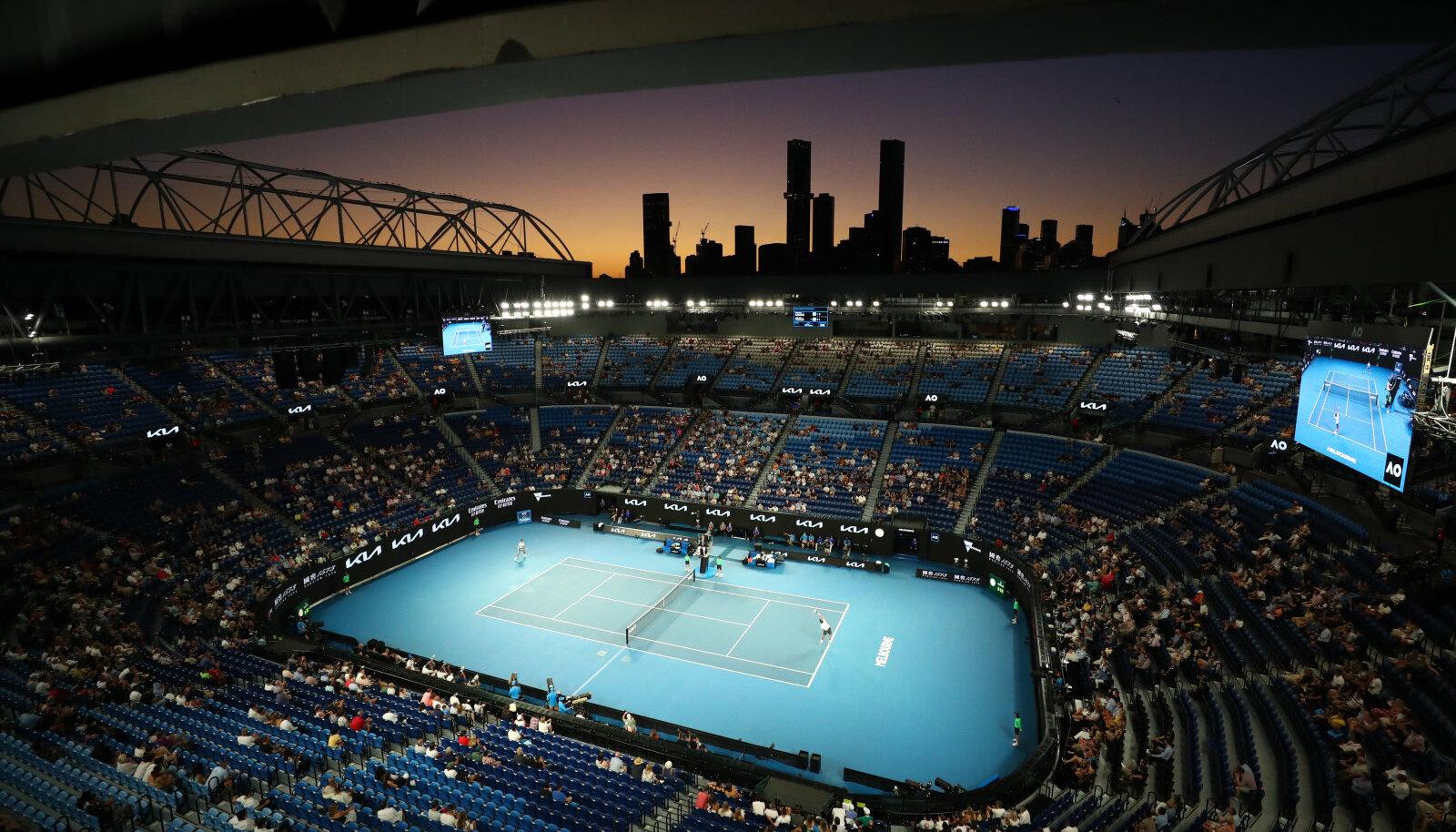 Rod Laver Arena neljapäeval, kui poolfinaalis mängisid Novak Djokovic ja Aslan Karatsev.