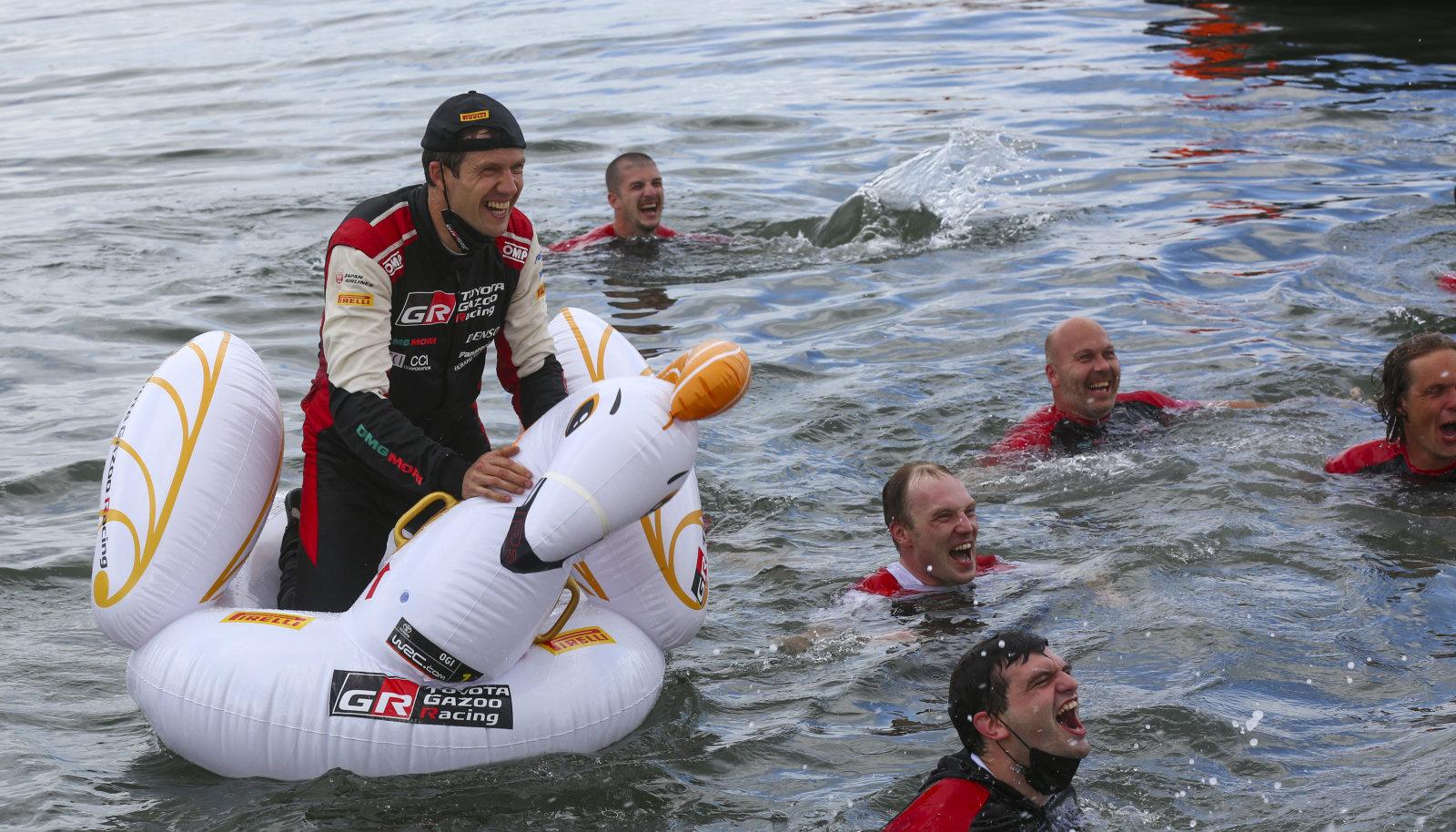 Sebastien Ogier pärast Sardiinia ralli võitu.