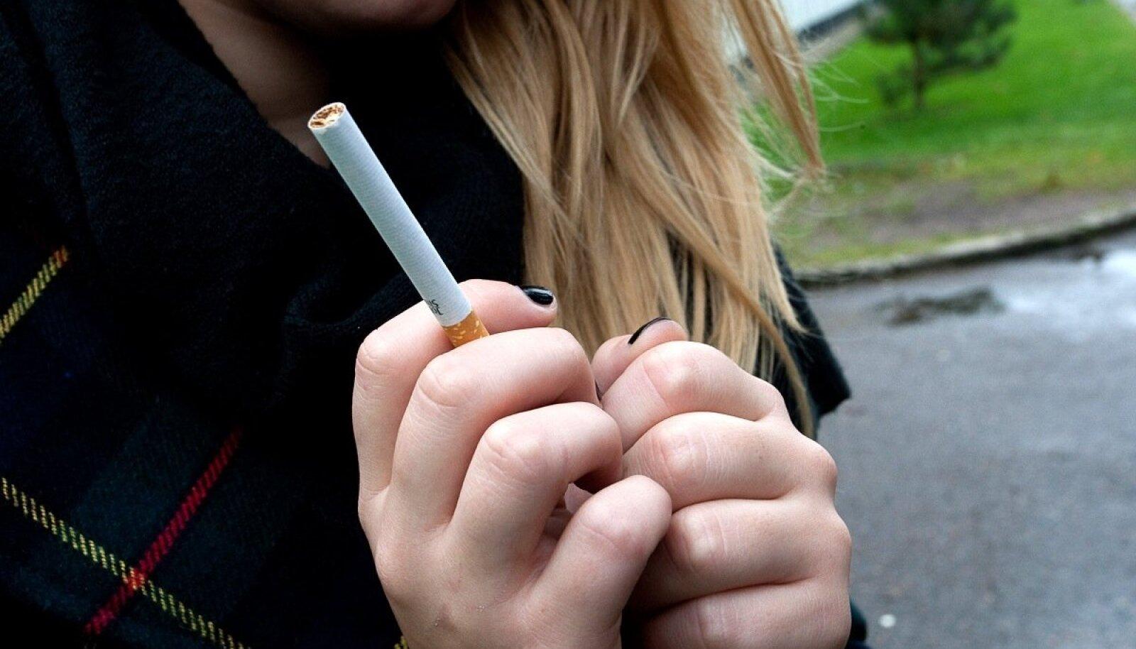 что если купить сигареты для подростка