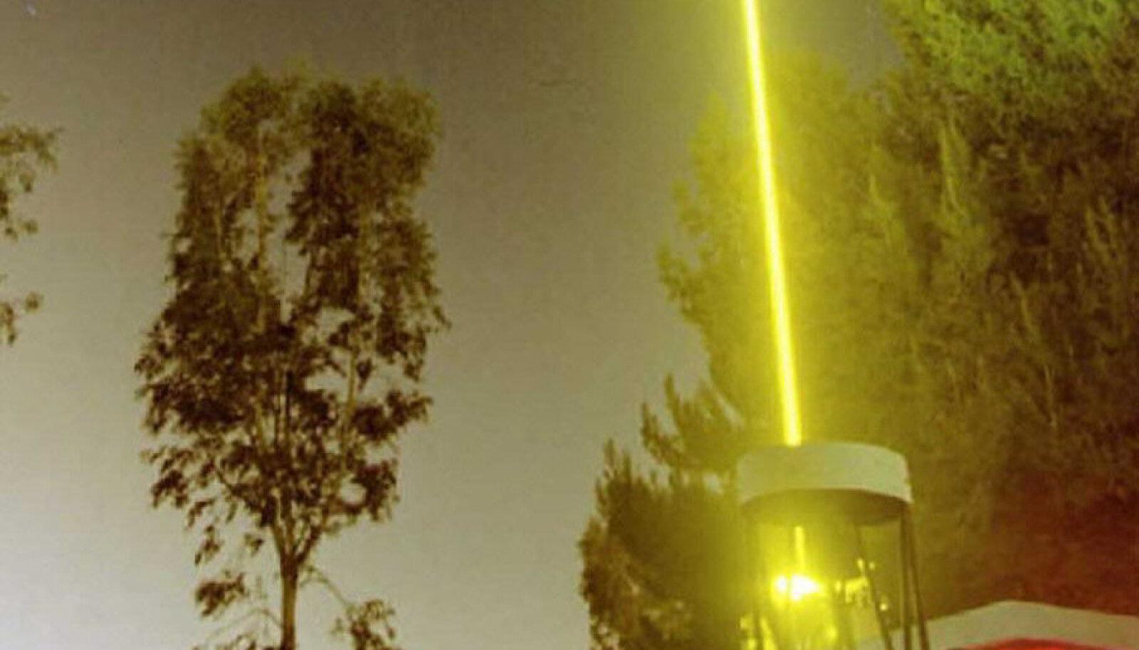 Astronoomilisteks vaatlusteks kasutatav laser
